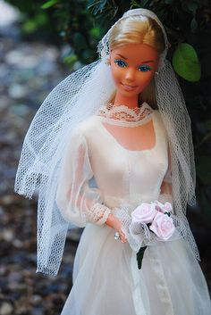 "Another Beautiful Bride Barbie in GUAG#7176 (1976-77) ""Satiny Sweet Spring Bride"""