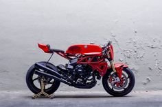MV Agusta Brutale Cafe Racer by Deus Ex Machina #motorcycles #caferacer #motos | caferacerpasion.com