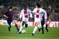 Partido de ida de cuartos de final de la Champions League 1994-95 entre el Barça y el PSG disputado en el Camp Nou. George Weah y David Ginola
