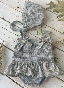 Knit Women Non-Felted Slippers Free Knitting Pattern Knitting For Kids, Baby Knitting Patterns, Crochet For Kids, Baby Patterns, Knit Crochet, Knit Baby Dress, Knitted Baby Clothes, Crochet Clothes, Baby Girl Crochet