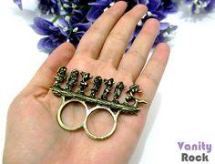 Anel Duplo 7 Anões  Na Cor Dourado Envelhecido  Rico em Detalhes.  Acesse: www.vanityrock.com.br