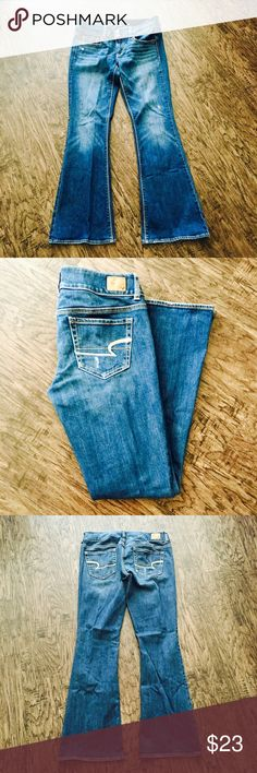 🌻💛SUNDAY FUNDAY SALE🌻💛AE SIZE6 Flare jeans💙✨ American Eagle SIZE 6 Artist Flare jeans💙✨ love the flare and boho look? This would be the perfect for you! Curvy flattered 😍 almost new. American Eagle Outfitters Jeans