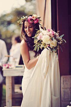 Boho #bride styled to perfection. Photography: Tamiz Photography - tamizphotography.com  Read More: http://www.stylemepretty.com/2014/08/29/boho-chic-maui-wedding/