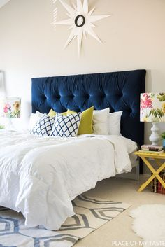 Home Decor Eclectic Gorgeous Blue Bedroom Decor Ideas - Blue Tufted Headboard by Place of My Taste.Home Decor Eclectic Gorgeous Blue Bedroom Decor Ideas - Blue Tufted Headboard by Place of My Taste Diy Tufted Headboard, Blue Headboard, Velvet Headboard, Headboard Designs, Blue Bedding, Headboards For Beds, Headboard Ideas, Making A Headboard, Padded Headboards