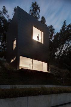 Maison contemporaine en flanc de montagne