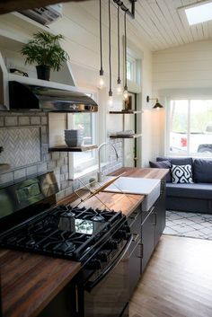 26 Legacy Tiny House on Wheels by Wood & Heart Co. 2019 26 Legacy Tiny House on Wheels by Wood & Heart Co. The post 26 Legacy Tiny House on Wheels by Wood & Heart Co. 2019 appeared first on House ideas. Small Room Design, Tiny House Design, Tiny House Plans, Tiny House On Wheels, Maximize Small Space, Espace Design, Tiny Spaces, Tiny House Living, Cuisines Design