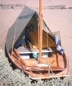 A Mirror Dinghy outfitted for beach cruising