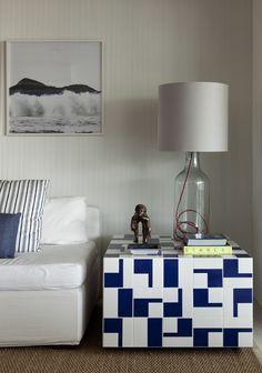 diego revollo arquiteto / apartamento na riviera de são lourenço, bertioga (mesa: studiobola azulejo de cerâmica desenhado para athos bulcão)