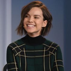 Ingrid Nilsen Shares How to Get Ready in 5 Minutes Flat: Beauty How-Tos: Lipstick.com
