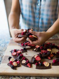 Healthy, yummy dark chocolate berry bark recipe. Super easy and quick.