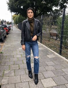 Bomber Jacket Outfit, Leather Jacket Outfits, Leather Leggings, Moto Jacket, Autumn Winter Fashion, Winter Style, Cold Weather Fashion, My Style, Outfit Ideas