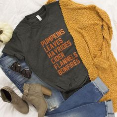 Fall Favorites Orange Glitter Vinyl Graphic Tee - Fall Shirts - Ideas of Fall Shirts - This adorable graphic tee is a must-have for ladies who are in love with all things fall! Fall Winter Outfits, Autumn Winter Fashion, Fall Fashion, Fashion 2016, Casual Winter, Summer Outfits, Athleisure, Teen Fashion, Fashion Trends