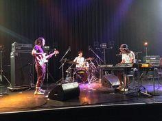 本日から、夏フェスグッズのトートバッグを発売します!2000円です。  今日の渋谷O-WESTは、渡辺シュンスケ:Key w/玉木正太郎:Bass&千住宗臣:Drums の編成です。  20:30〜の出番です。 Country Codes, Tokyo, Shit Happens, Concert, Twitter, Tokyo Japan, Concerts