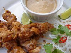 Csirkenyársak (satay) mogyorószósszal