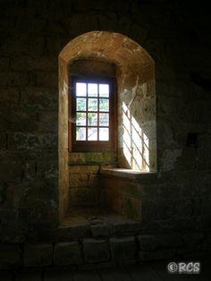 ショック! ジュブレ・シャンベルタン城が中国人に売られてしまった - エスカルゴの国から