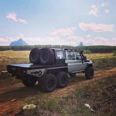 The Patriot Campers Megatourer is an off-road touring vehicle. The Australian company can outfit a Megatourer as a standalone camping vehicle. 6x6 Truck, Jeep Truck, Off Road Camping, Camping Gear, Landcruiser Ute, Land Cruiser 70 Series, Motorcycle Camping, Expedition Vehicle, Jeep 4x4