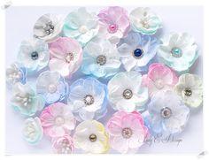 Handmade Foam Flowers / Kwiatki z Foamiranu - Lady E Design Handmade Flowers, Diy Flowers, Fabric Flowers, Paper Flowers, Egg Crafts, Foam Crafts, Paper Crafts Magazine, Flower Center, Silk Flower Arrangements