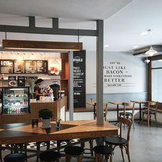 """Keeris Nith on Instagram: """"New branch of Jaywalk Cafe at CocoWalk, Ratchathewi ~ Soft Opening jaa #jaywalkcafe#jaywalkcafexratchathewi#cocowalk #cafehoppingbkk#bangkokcafe#cafebkk#coffeeshopvibes#coffeeshopcorners#cafeteller#bkkcafelife"""""""