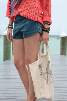 Jean shorts + coral knit + canvas bag + loads of bracelets for summer style