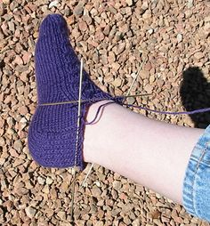 Diy Crafts - I liked the idea of toe-up socks, especially when I'm not sure how much yarn I have available, but prefer the extra cushion of the standa