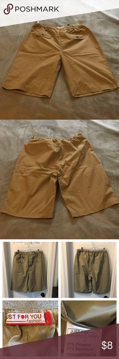 """Woman's short, color khaki, size L Woman shorts, size L, top stretchy, 65% polyester, 35% cotton, front has """"pocket look"""", no pockets, only worn once Shorts"""