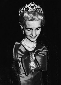 Barbara Hutton wearing what is thought to be the ruby necklace of Queen Amelia of Portugal, converted to a tiara.