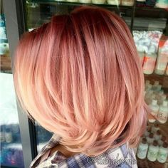 Are you looking for rose gold hair color hairstyles? See our collection full of rose gold hair color hairstyles and get inspired! Bob Hair Color, Hair Color And Cut, Pretty Hairstyles, Bob Hairstyles, Short Haircuts, Medium Hairstyles, Hairstyle Ideas, 2017 Hairstyle, Wedding Hairstyles