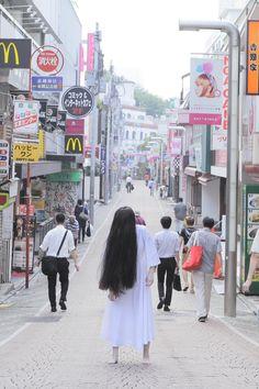 Horror icon Sadako to release her first photo book along with Blu-ray & DVD of 'Sadako Scary Movies, Horror Movies, The Ring Series, Horror Icons, Asian Design, Stunts, First Photo, Photo Book, Creepy