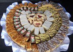 Rozi Erdélyi konyhája: Lakodalmas sütemények 2 Bosnian Recipes, Hungarian Recipes, Bosnian Food, Hungarian Food, Sweet Cookies, Cake Cookies, My Recipes, Cookie Recipes, Hungarian Cookies