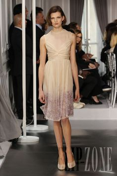 Dior - Couture - Spring-summer 2012 - http://www.flip-zone.net/fashion/couture-1/fashion-houses/dior-2490