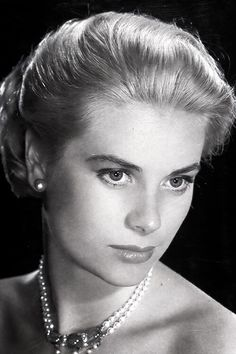 Grace Kelly, I Love her picture Vintage Hollywood, Hollywood Glamour, Hollywood Stars, Hollywood Actresses, Classic Hollywood, Moda Grace Kelly, Grace Kelly Style, Timeless Beauty, Classic Beauty