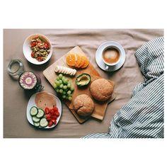 perfect vegan breakfast: coffe, avocado, selfmade bun, fruits, smoothie and scrumbled tofu.   #veganbreakfast #vegan #breakfast