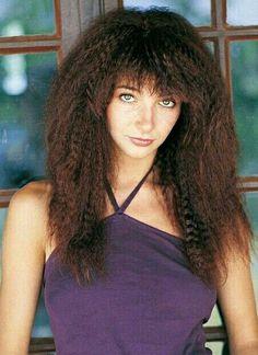 Mr Kite on - Hair Styles Divas, Beautiful People, Beautiful Women, Natural Hair Styles, Long Hair Styles, Her Music, Music Icon, Female Singers, Celebs