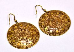 A Pair of Indian Hand Carved Brass Metal Traditional Boho Hippie Earrings Aife_720 Krishna Mart India http://www.amazon.com/dp/B00MIZJESE/ref=cm_sw_r_pi_dp_RkqJvb1285HGP