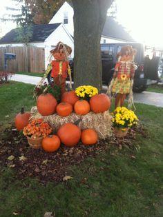Fall decorations outdoors, 2013, Pumpkins, haystacks, Mums