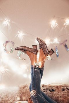 Get Lit, Decorate for the Holidays, and Get Gift Inspired. | By Tezza