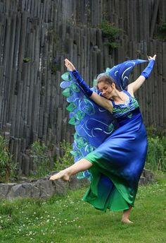 Společenské či taneční hedvábné šaty na zakázku