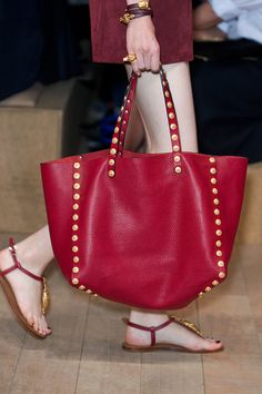 Le Sac C Est Chic The Best Bags From Paris Fashion Week Spring