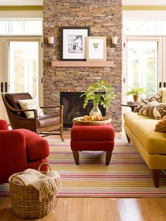 Use colors inspired by the fall season to convey a cozy look! http://www.bhg.com/decorating/color/schemes/cozy-color-schemes-for-every-room/?socsrc=bhgpin012415scarletandsaffron&page=20