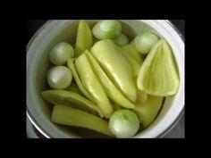 Маринованные огурцы.Pickles. - YouTube Celery, Pickles, Cucumber, Fruit, Vegetables, Youtube, Food, Essen, Vegetable Recipes