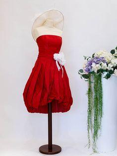 Abito già pronto a prezzo outlet.  #abitodasposa #wedding #matrimonio #sposa #abitodasogno Outlet, Ballet Skirt, Skirts, Fashion, Moda, Fashion Styles, Skirt, Fasion