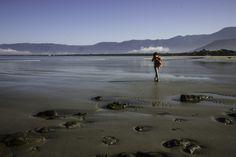 Walking on the beach. by Roberto Epifänio on 500px