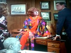 Family meeting Endora Bewitched, Bewitched Cast, Agnes Moorehead, Family Meeting, It Cast, Characters, Actresses, Fashion, Female Actresses