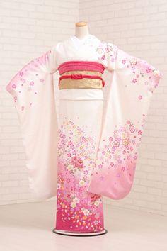 k-bridal: ★ ★ [costumer] long-sleeved kimono rental 320 White x in pale pink cherry Mari [wedding] [graduation ceremony] [full set] [rental] [furisode] Moda Kimono, Furisode Kimono, Traditional Japanese Kimono, Traditional Dresses, Japanese Outfits, Japanese Fashion, Kimono Tradicional, Chinese Kimono, Japanese Party