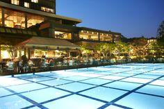 Grand Hyatt Seoul's poolside BBQ at night. #grandhyttseoul #bbq #poolsidebbq