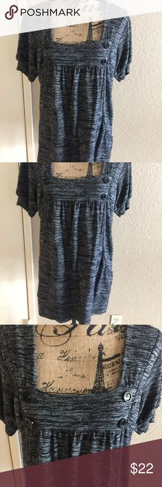 Gray Tunic Gray Tunic has 4 accent button in front, short sleeve size 2x in good condition Mar Q Tops Tunics