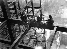 Charles Clyde Ebbets - GE Building, Rockefeller Center, 29 settembre 1932