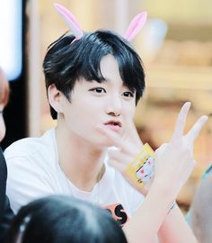 Jeon jungkook KOOKIE bts bangtan boys fan meeting cute aegyo bunny ears