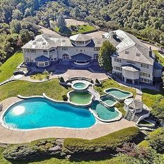 Aerial shot of an unbelievable backyard at this ginormous mansion  - Follow @dreamhomes for more ❗️ #F4F #instafollow #L4L