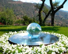 Allison Armour's now famous Aqualens Sphere Water Fountain is the perfect addition to your garden or outdoor space. View gardens with water features here. Backyard Garden Design, Garden Pool, Water Garden, Garden Art, Small Water Features, Water Features In The Garden, Feng Shui Garden, Modern Fountain, Garden Fountains